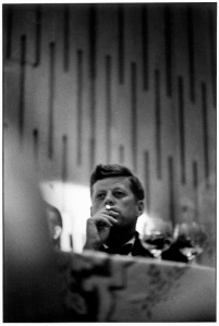 0JF-Kennedy-by-Elliott-Erwitt
